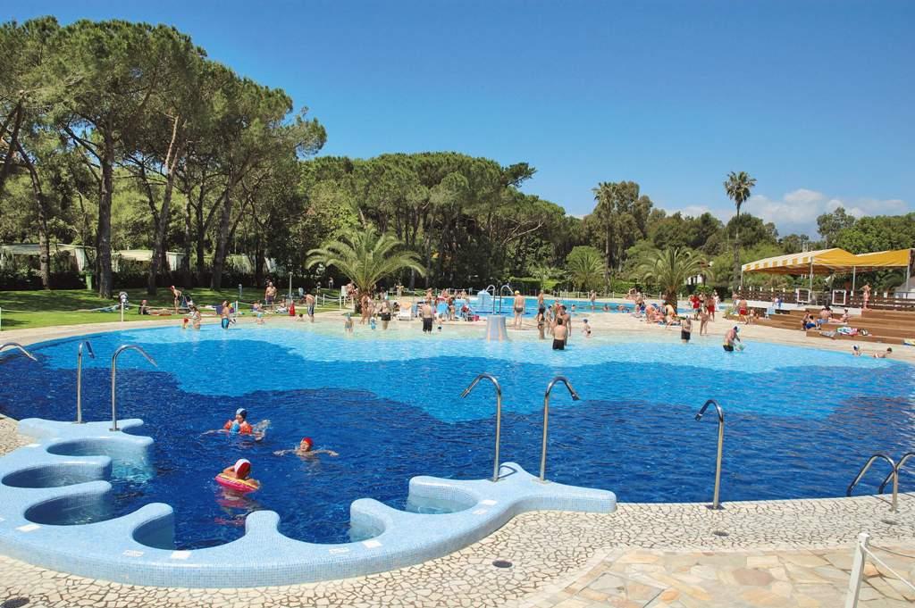 Baia Domizia: eventi, hotel, camping, ristoranti e altre ...