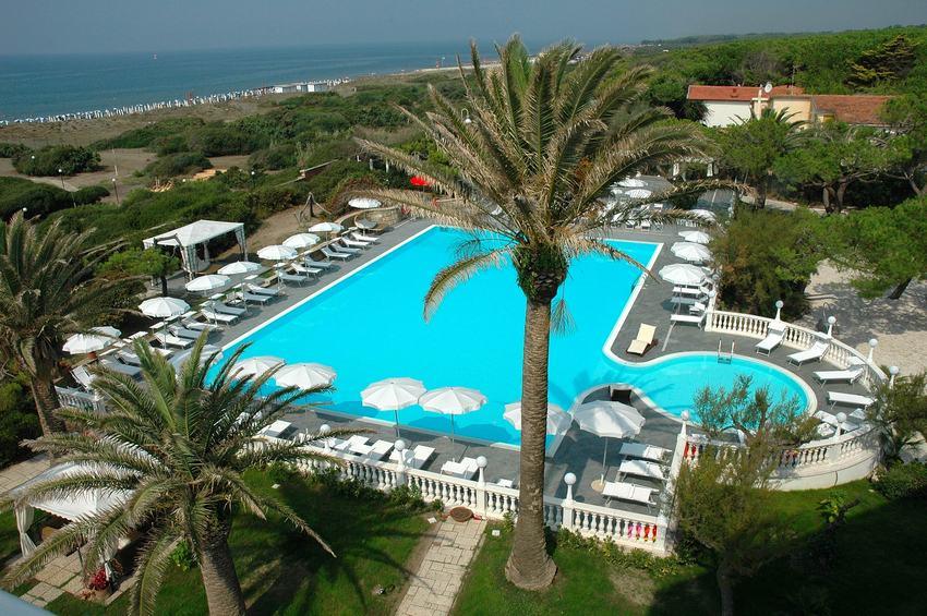 Domitia palace hotel 4 stelle baia domizia - Agriturismo in campania con piscina ...
