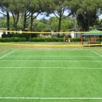 Campo in erba sintetica per la pallavolo